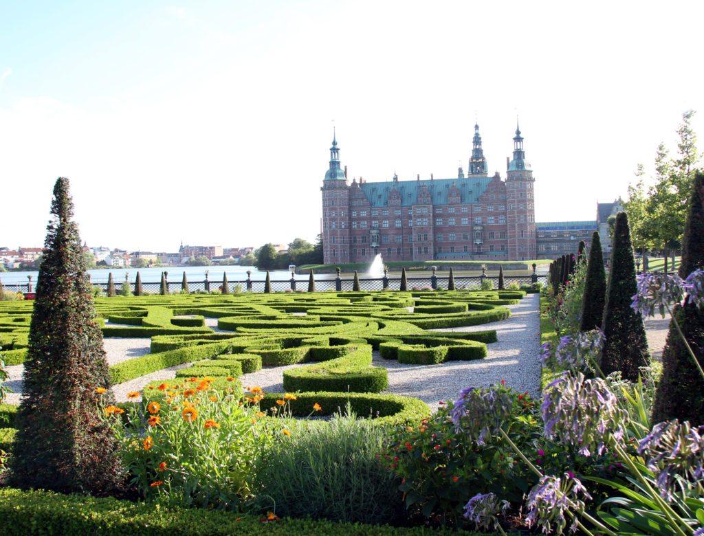 castillo de Frederiksborg y jardines