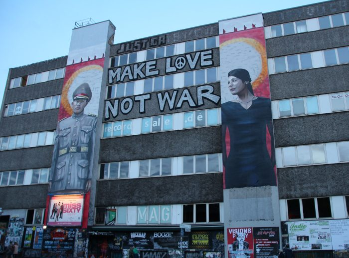 edificio berlin grafiti