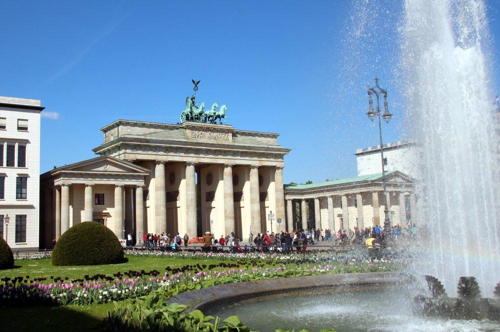 puerta de Brandenburgo fuente