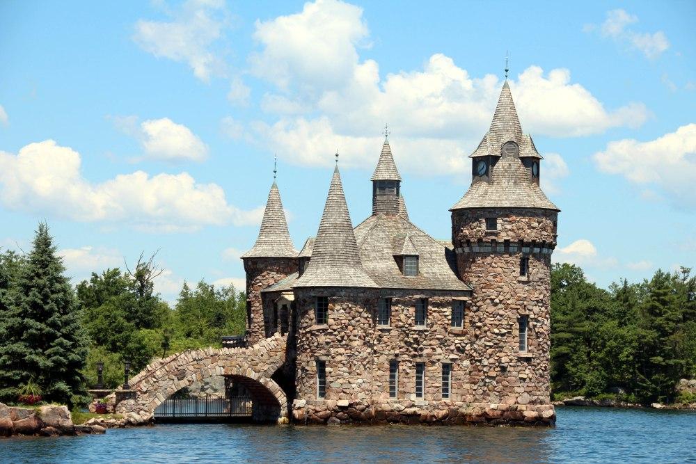 Bold Castle edificio electricidad