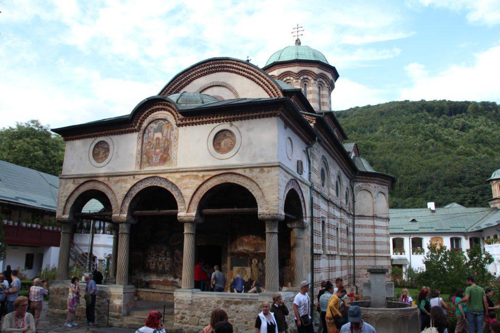 Monasterio Cozia exterior