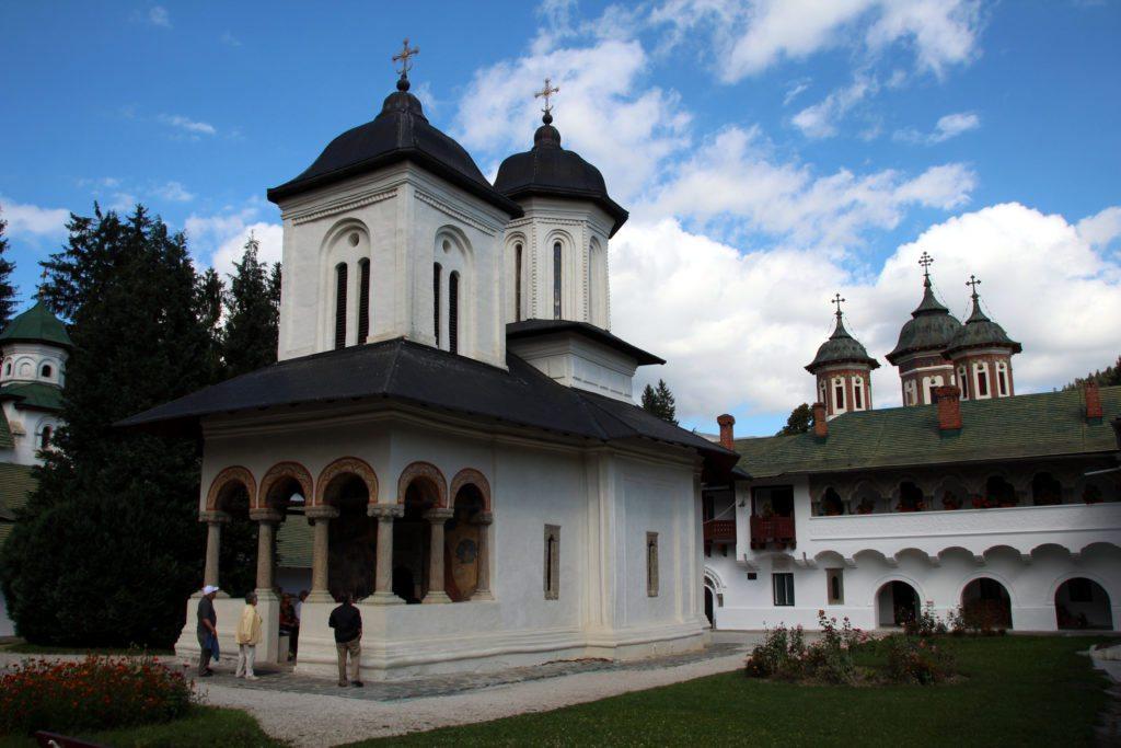 Monasterio de Sinaia edificio interior