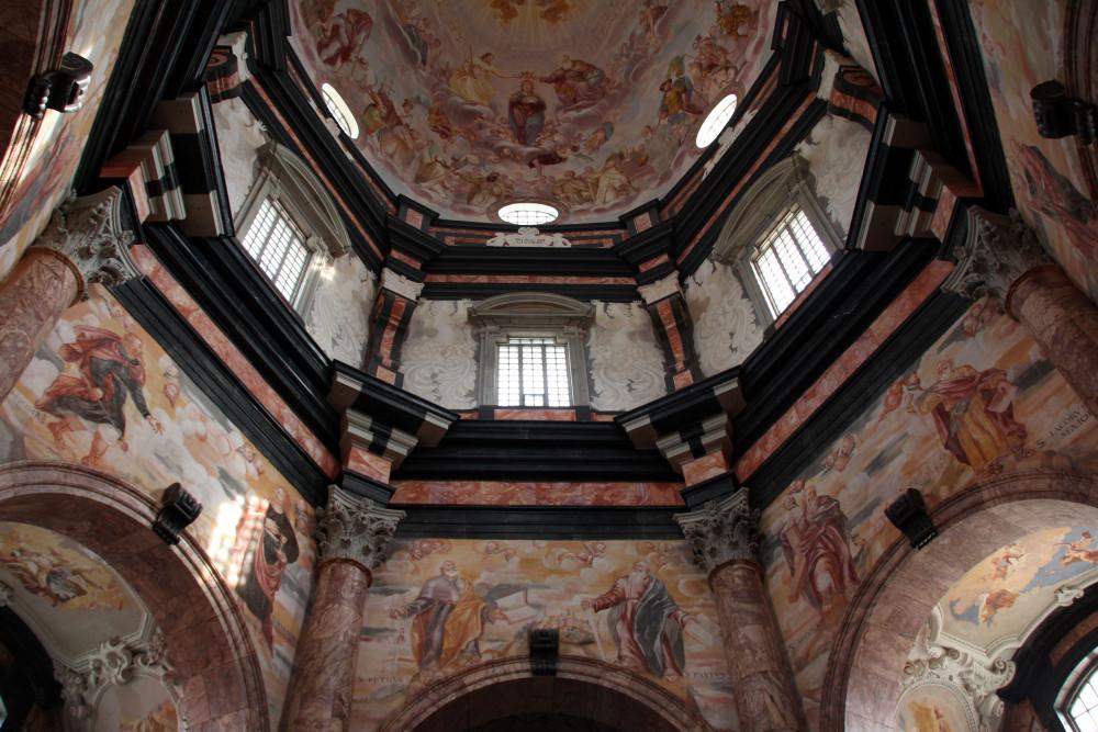 monasterio de Pažaislis iglesia interior