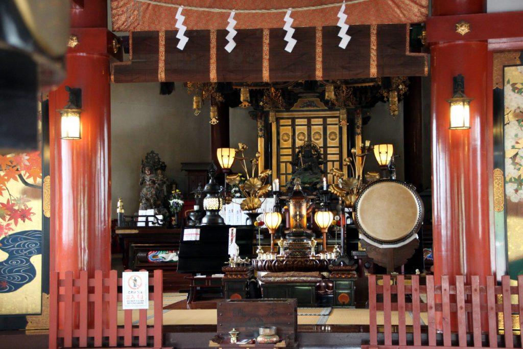 interior templo de Benten-do, ueno, tokio