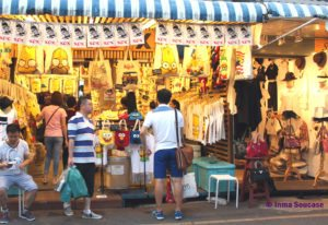 mercado Chatuchak - parada ropa