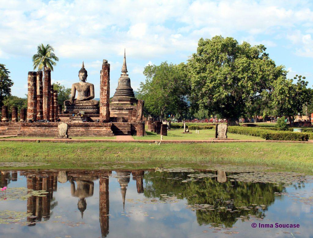 Parque Histórico de Sukhothai templo Wat Mahathat