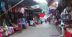 Poblado HMONG - Ban Mong Doipi, calle tiendas