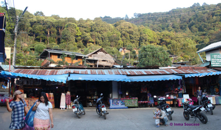 Poblado HMONG - Ban Mong Doipi, entrada