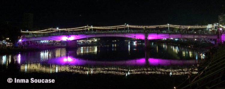 rio nocturno Chiang Mai