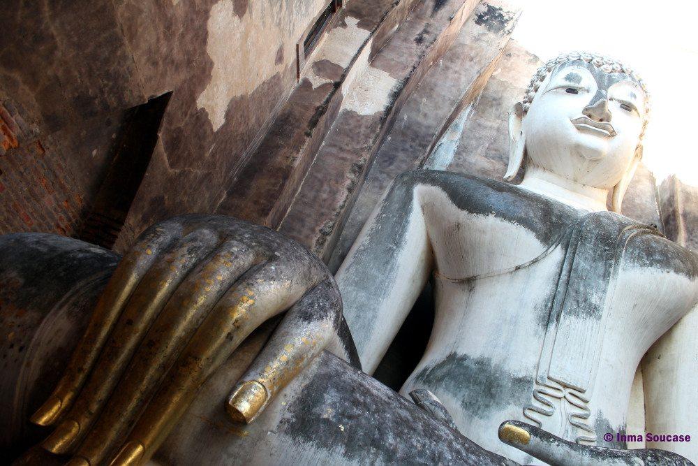 gran-buda-piedra-tailandia