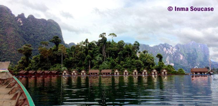 Lago Cheow Lan casas flotantes