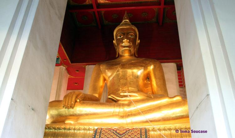 Palacio Wihan Phra Mongkhon Bophit - buda interior