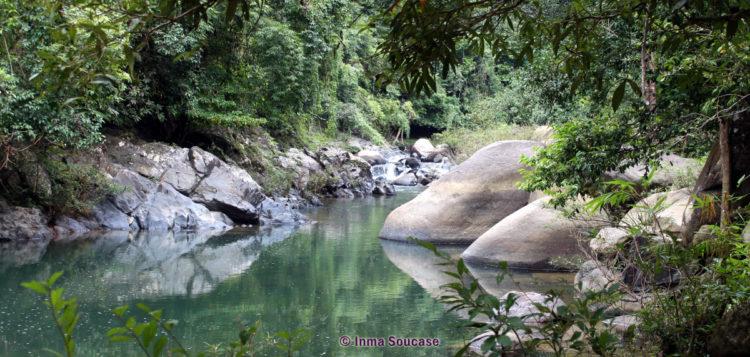 parque nacional Khao sok - naturaleza rio lago