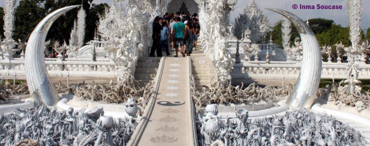Wat Rong Khun entrada