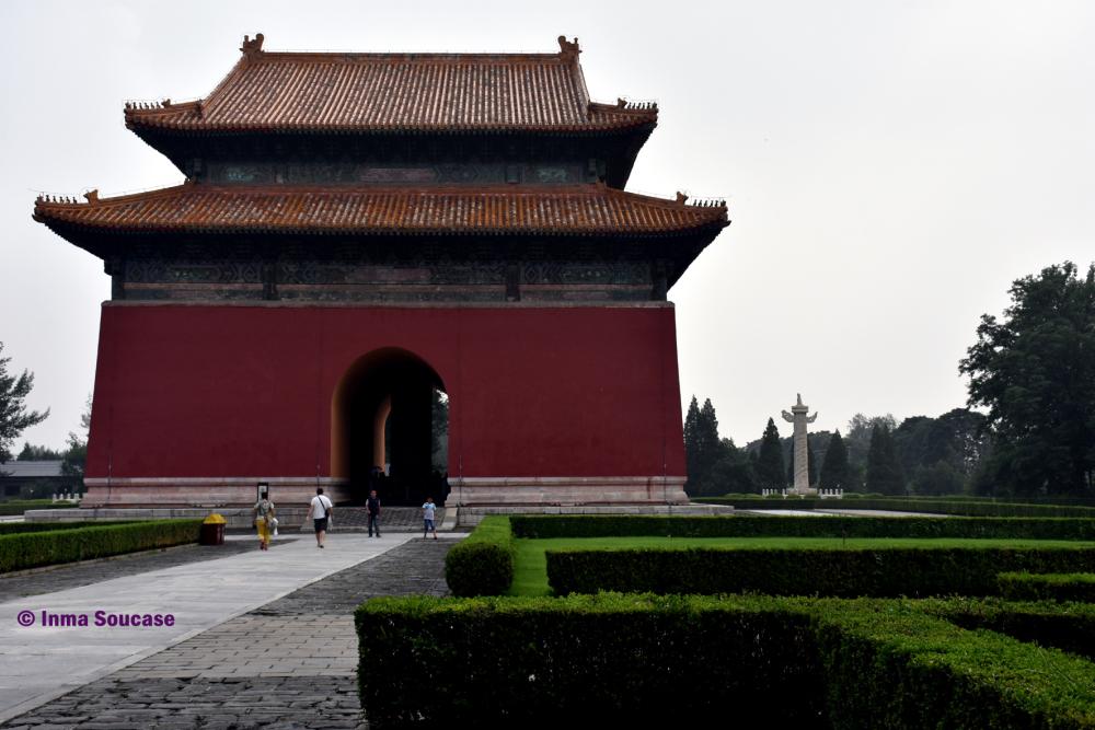 camino-sagrado-gran-puerta-roja-pekin-china