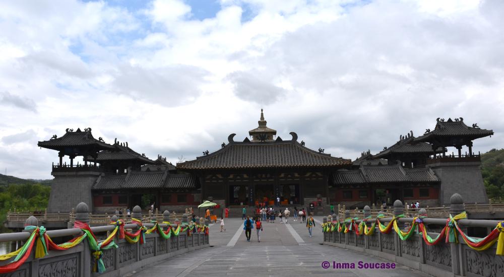 cuevas-de-yungang-templo-ling-yan-02-datong