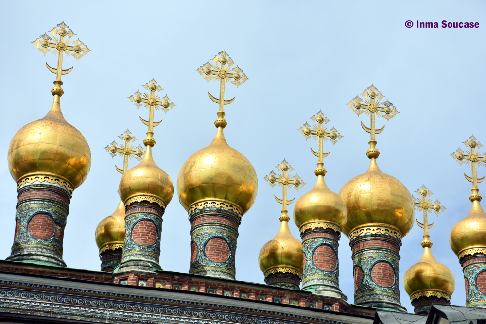 la-iglesia-de-la-deposicion-del-manto-de-la-virgen-moscu-kremlin