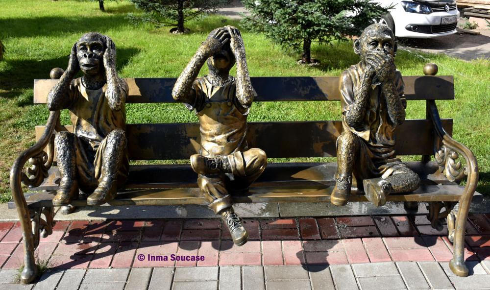 los-3-monos-sabios-irkutsk