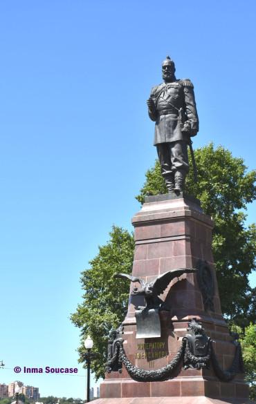 monumento-al-emperador-alejandro-iii-irkutsk