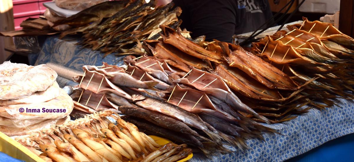 pescado-omul-parada-mercado-lago-baikal-listvianka
