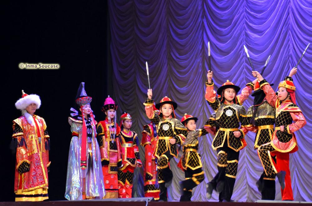 teatro-de-la-opera-y-el-ballet-folklore-ruso-04-ajedrez-ulan-ude