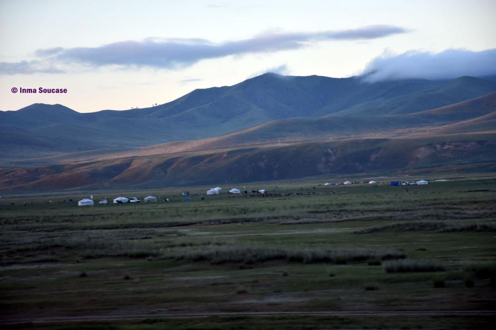 transiberiano-vistas-tren-paisaje-yurtas-ulan-bator-mongolia