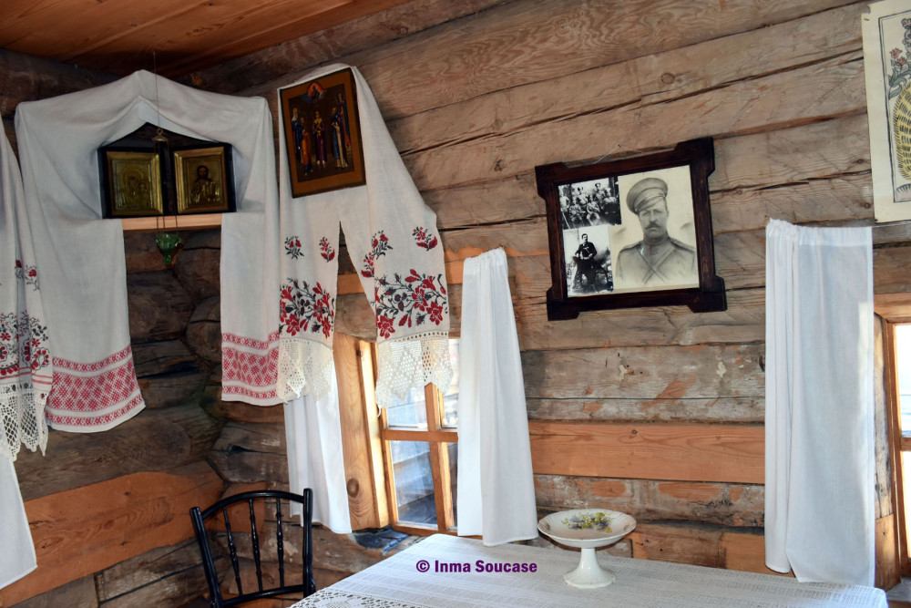 yodarma-village-museo-interior-casa-madera