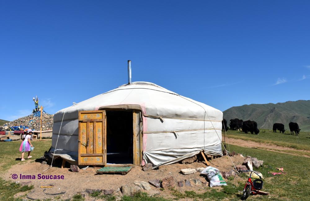 yurta-parque-nacional-gorkhi-terelj-mongolia