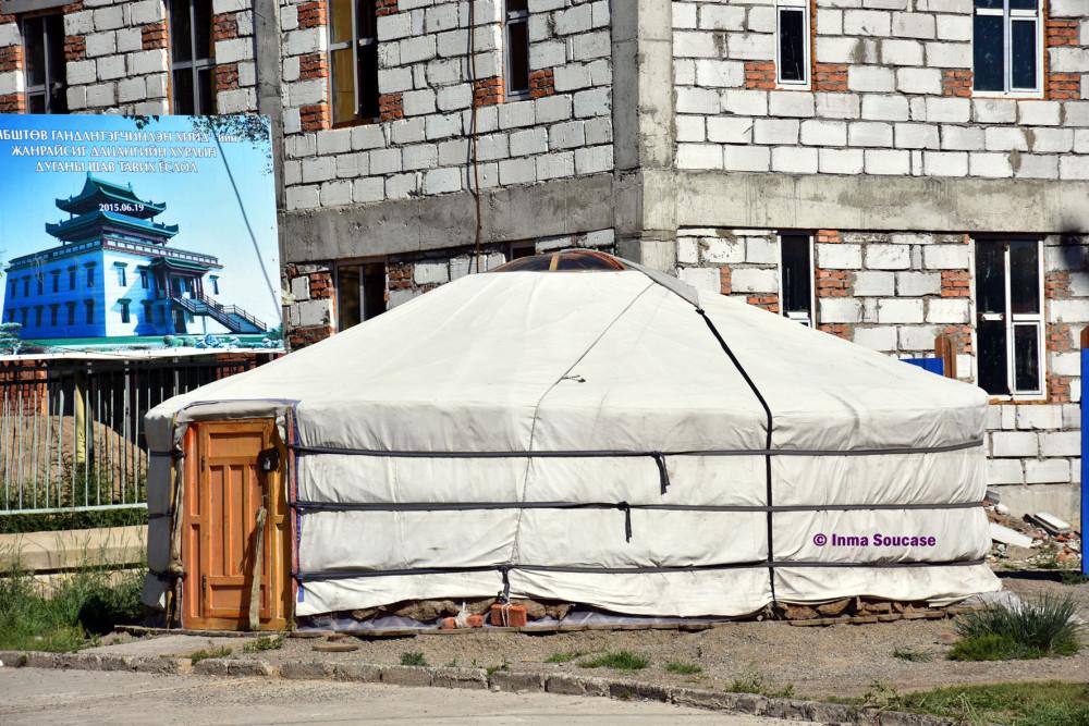 yurta-y-edificio-mongolia-ulan-bator