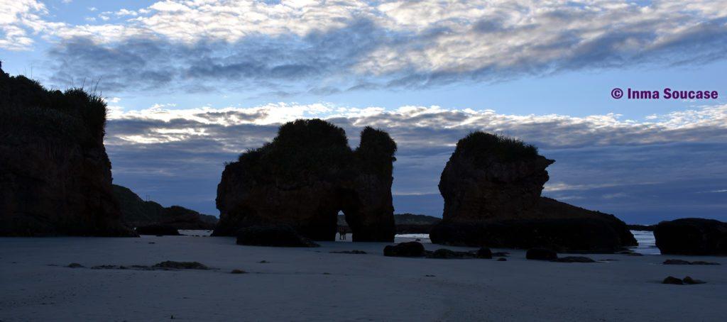 Fox River Beach atardecer Nueva Zelanda rocas mar tasmania