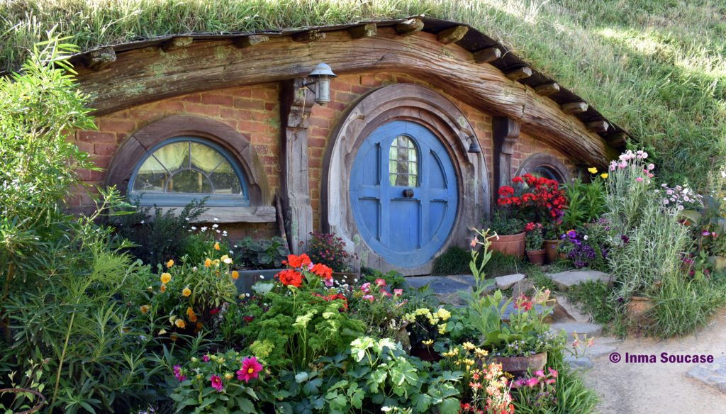 Hobbiton movie set casa azul