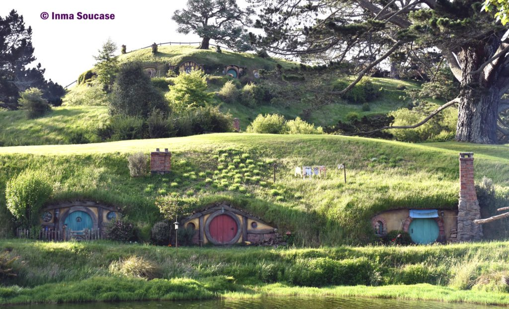 Hobbiton movie set casas hobbits