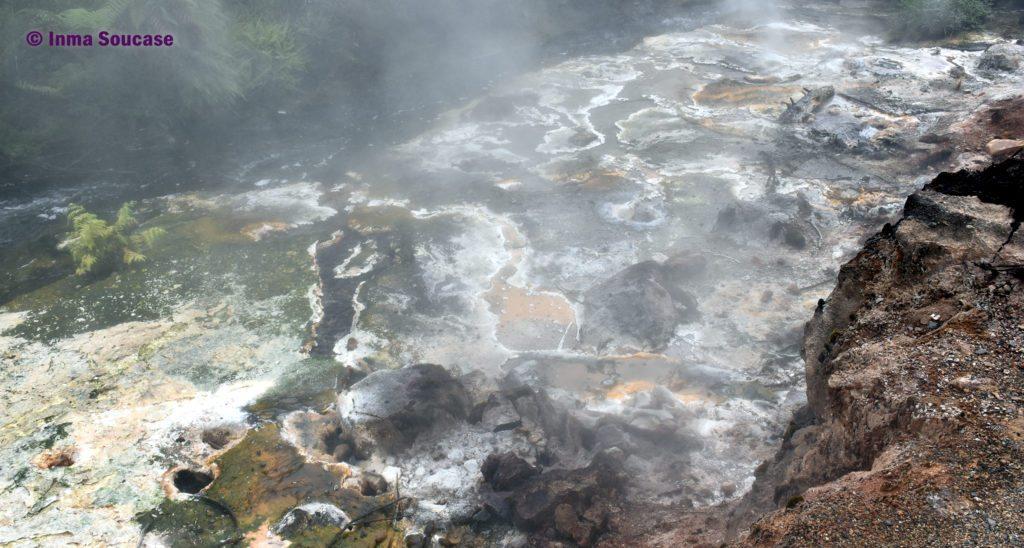 Waimangu volcanic valley piscina humo